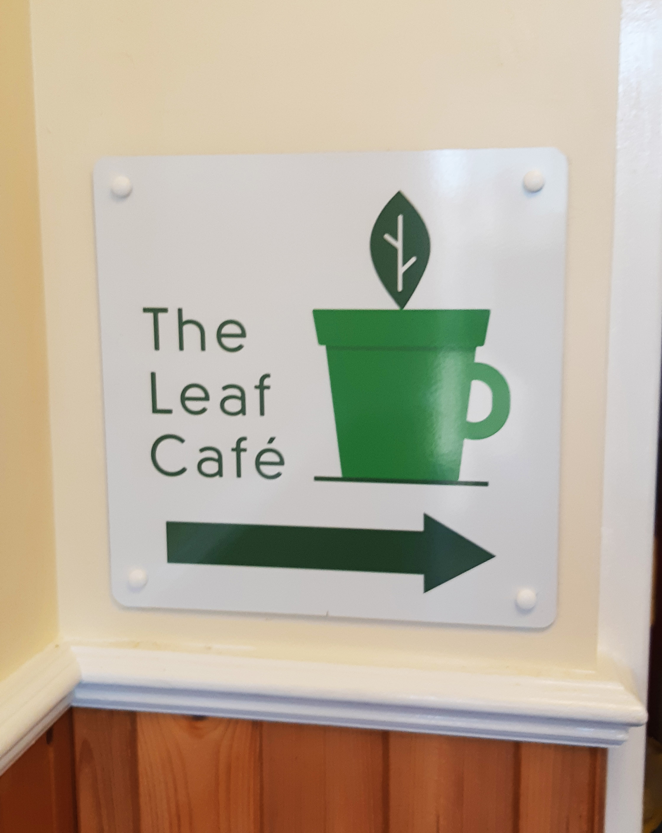 The-Leaf-Cafe-Sign2